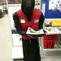 Photo taken at Lowe's Home Improvement by Sam S. on 9/7/2012