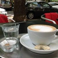 Das Foto wurde bei Ottenthal Weinhandlung & Kaffeehaus von Mikhail K. am 7/20/2012 aufgenommen