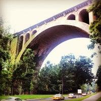 รูปภาพถ่ายที่ Rock Creek Running Trail โดย Brian G. เมื่อ 8/25/2012