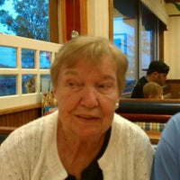 Photo taken at Friendly's Restaurant by Anthony F R. on 9/3/2011