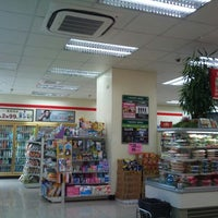 Photo taken at 7-ELEVEn by Mun C. on 9/20/2011