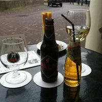 Photo taken at Het Huis Met De Pilaren by Reabel D. on 3/18/2012