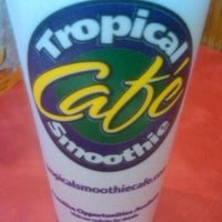 Photo taken at Tropical Smoothie Café by Jules W. on 5/31/2012