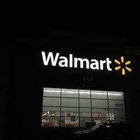 Das Foto wurde bei Walmart von Michael S. am 8/26/2012 aufgenommen
