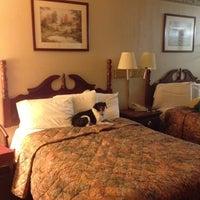 Photo taken at Days Inn Richmond by Bonnie R. on 5/24/2012
