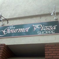 Photo taken at The Gourmet Pizza Shoppe by Michael L. on 9/3/2011