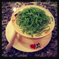 Photo taken at Penang Road Famous Teochew Chendul by IuKing S. on 9/30/2011
