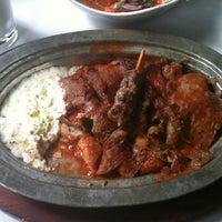 10/13/2011 tarihinde Terrence Y.ziyaretçi tarafından Kebabi Restaurant'de çekilen fotoğraf