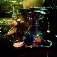 Photo taken at Mengrai Gourmet Thai by Vivien L. on 12/28/2011
