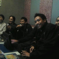 Photo taken at NAV Karaoke keluarga by Pondank R. on 11/4/2011