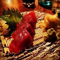 3/5/2012 tarihinde Kayvon T.ziyaretçi tarafından Domo Sushi'de çekilen fotoğraf