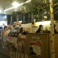 Photo taken at EDIYA COFFEE by Jane R. on 11/27/2011