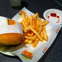 Photo taken at Johnny Rockets by Jimmy Q. on 7/30/2012