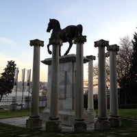 Foto tomada en Sakıp Sabancı Müzesi por Ipek A. el 12/15/2011