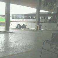 Foto tirada no(a) Terminal Rodoviário de Brusque por Ale P. em 11/28/2011