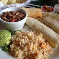 8/29/2012 tarihinde Steven B.ziyaretçi tarafından Guero's Taco Bar'de çekilen fotoğraf