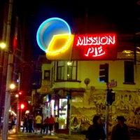 Foto tirada no(a) Mission Pie por Raul H. em 10/8/2011
