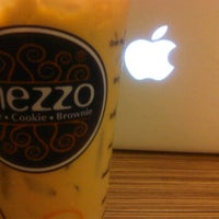Photo taken at Coffee House กาแฟสด by Thahchaphan S. on 9/19/2011