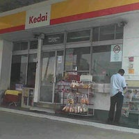 Photo taken at Shell Taman Maju Jaya by Amar R. on 7/4/2012