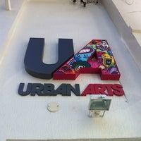 รูปภาพถ่ายที่ Urban Arts โดย Chiara M. เมื่อ 7/14/2012