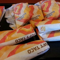 Photo taken at Taco Bell by Cindy Y. on 1/28/2012