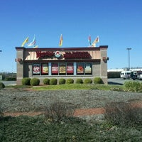 Photo taken at Wendy's by Lizz D. on 3/10/2012