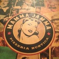 Foto tirada no(a) Mamma Jamma por Dudu P. em 5/28/2012