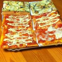 Foto scattata a Pizzeria Tony da Federica I. il 3/2/2012