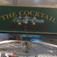 Photo taken at The Cocktail By Akrachai by Mαnαnyα P. on 1/27/2011