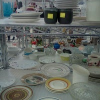 Photo taken at Goodwill by Gwendolyn C. on 11/22/2011