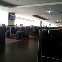 Photo taken at JAL Sakura Lounge - International Terminal by Ken G N. on 10/8/2011