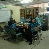 Photo taken at Pos Pengaduan Lingkungan Hidup kota surabaya by M Surur on 12/28/2011