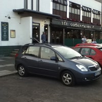 Photo taken at The Golden Acorn (Wetherspoon) by Raymond F. on 7/30/2011
