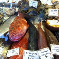 12/29/2011 tarihinde Hamdi A.ziyaretçi tarafından Yengeç Restaurant'de çekilen fotoğraf