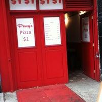 Das Foto wurde bei Percy's Pizza von Frank S. am 1/1/2012 aufgenommen