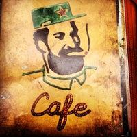 รูปภาพถ่ายที่ Fidel's Cafe โดย CrisBlanco เมื่อ 2/19/2012