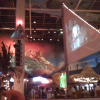 Photo taken at Jimmy Buffet's Margaritaville by Mr. L. on 1/2/2011