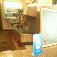 Foto diambil di Café Amigo oleh Wagner T. pada 12/8/2011
