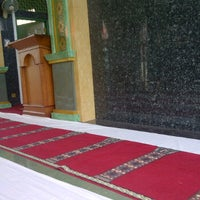 Photo taken at Masjid Al-Muhajirin by Dinil H. on 12/6/2011