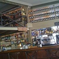 Foto tomada en Café Adonis 1940 por Oriol F. el 1/26/2012