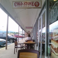 Photo taken at Cold Stone Creamery by Lynda R. on 6/26/2011