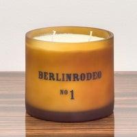 Das Foto wurde bei BERLINRODEO interior concepts GmbH von Elliot v. am 8/1/2011 aufgenommen