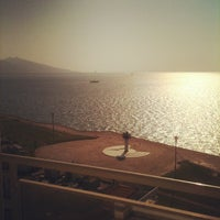 Foto tirada no(a) Ege Palas Business Hotel por Mert K. em 7/19/2012