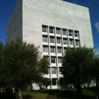 Photo taken at Biblioteca da FEUP by Nuno L. on 1/2/2012