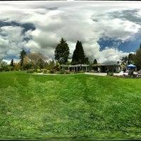 Photo taken at Bellevue Botanical Garden by Lit on 5/8/2011