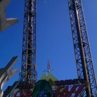 Photo taken at Doctor Doom's Fear Fall by Chrystel on 1/26/2012