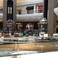 6/23/2012 tarihinde Tom M.ziyaretçi tarafından Cherry Creek Shopping Center'de çekilen fotoğraf