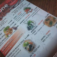 2/22/2012 tarihinde Vis B.ziyaretçi tarafından One Way Sushi'de çekilen fotoğraf