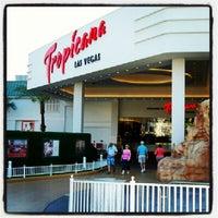 Das Foto wurde bei Tropicana Las Vegas von Xoxe G. am 7/22/2012 aufgenommen
