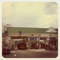 Photo taken at Duta Road Toll Plaza by Mohamad Hilmi O. on 11/16/2011